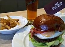 ilustrační obrázek ke slevové akci: Originální burger z čerstvých surovin